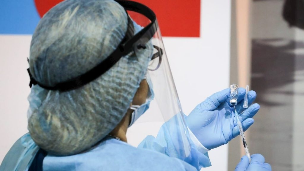 Vacunación COVID-19 en Perú